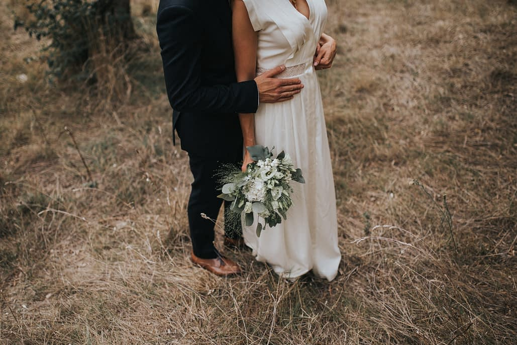 couple mariés fleurs mariage tarascon