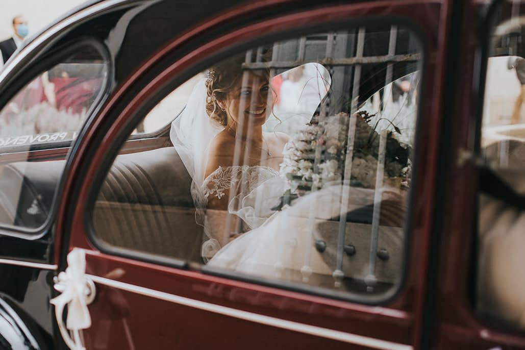 reflet mariage deux chevaux mariage voiture