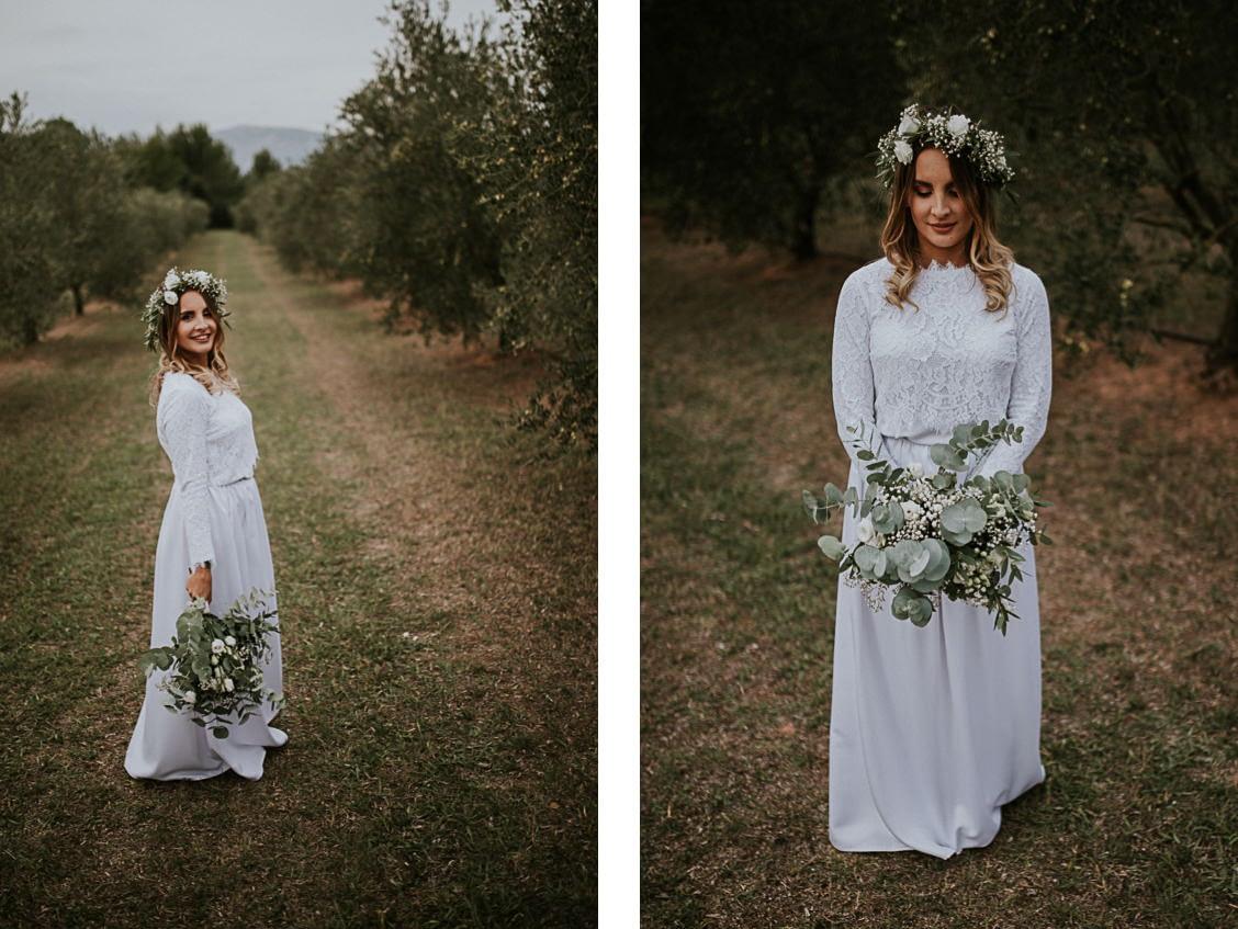 mariée pose bouquet pommé trets
