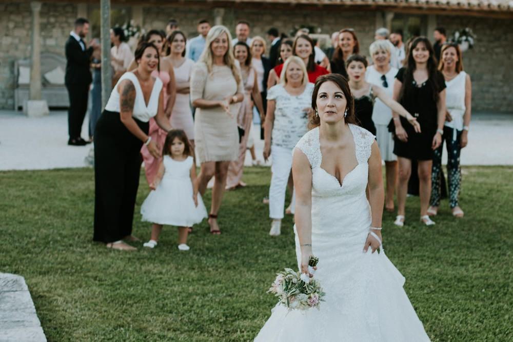 lancer de bouquet mariage sarson