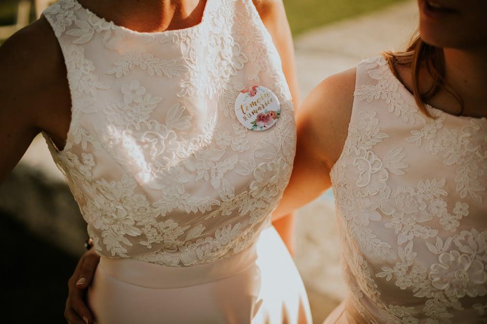 badge temoin mariés maraige robe