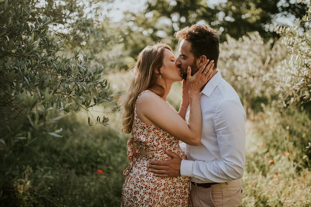 seance champ alpilles grossesse couple