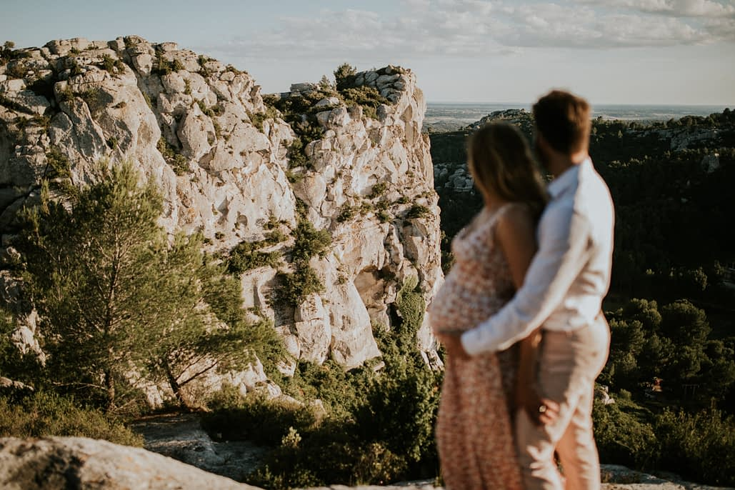 photographe baux-de-provence couple mariage alpilles