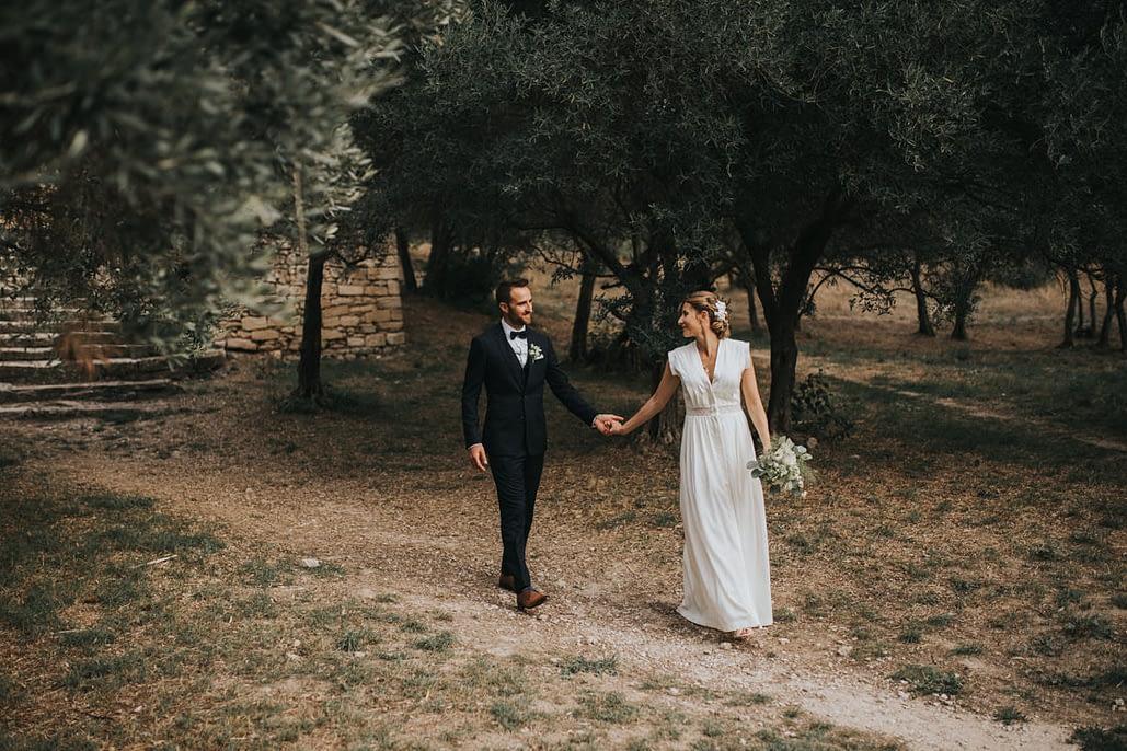 couple de mariés dans les alpilles